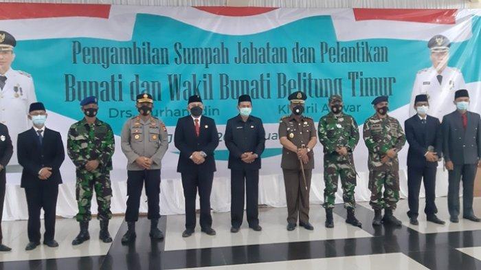 Foto bersama usai menyaksikan upacaea pelantikan Bupati dan Wakil Bupati Belitung Timur secara virtula di Auditorium Zahari MZ.Jumat (26/2/2021)