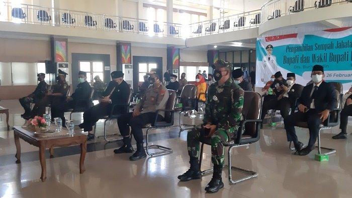 Pemkab dan Forkopimda Ikuti Pelantikan Bupati dan Wakil Bupati Belitung Timur Secara Virtual