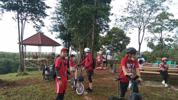 Rombongan Artis dari 48Bersepeda Gowes Hari Sumpah Pemuda di Belitung