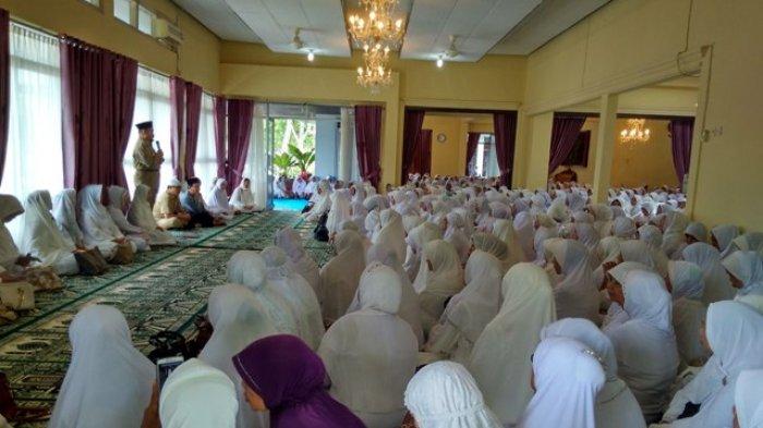 Acara Pengajian di Rumah Dinas Bupati Belitung Dipadati 850 Orang Perempuan