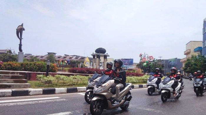 9 Pengendara Honda PCX Jelajahi Pulau Belitung