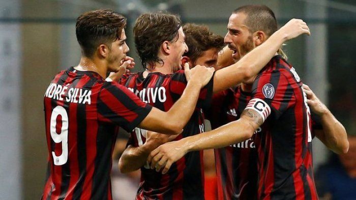 AC Milan dan Napoli Raih Hasil Positif, Mantap di Puncak Klasemen Sementara