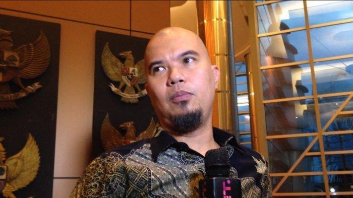 Penampilan Rapi Ahmad Dhani saat Bertemu Prabowo, Kenakan Batik dan Sepatu Hitam Mengkilat