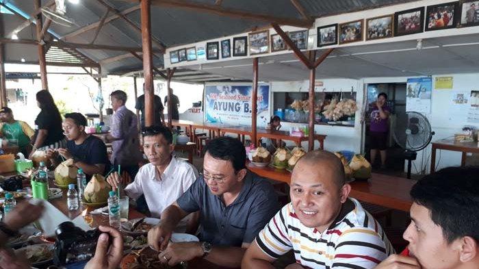 Ahok Pulang Kampung, Ziarah hingga Santap Seporsi Kepiting