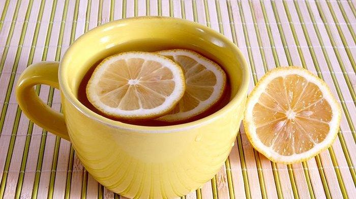 Enyahkan Lemak Perut dengan Minum Air Lemon Hangat saat Perut Kosong, Ini Buktinya!