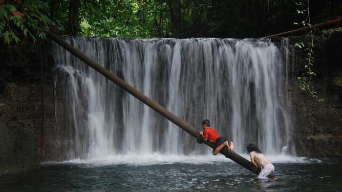 Hai Pecinta Alam Belitung, Yuk Lihat Keindahan Air Terjun Ampadoap