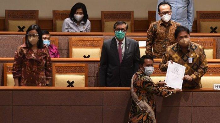 Resmi Omnibus Law RUU Cipta Kerja Disahkan DPR RI, 2 Fraksi Menolak Lainnya Setuju
