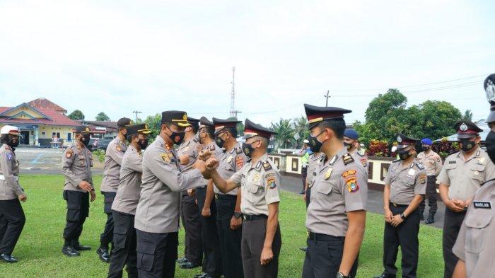 Kapolres Belitung Pimpin Korps Rapot, 51 Personel Terima Kenaikan Pangkat