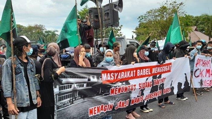 Video Detik-detik Demo di Kantor Gubernur Babel Ricuh, Polisi Amankan 18 Orang dari Massa Aksi