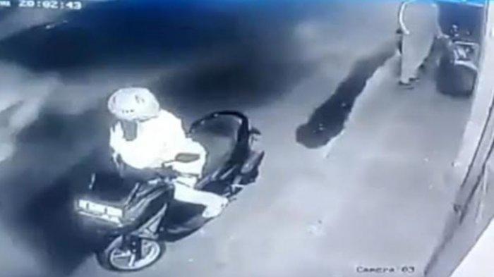 Video Viral Aksi Pencuri Motor di Kafe, Tinggalkan yang Lama Embat yang Baru, Kabur Kegirangan