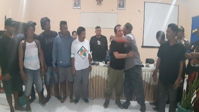Wagub Abdul Fatah dan Kasatpol PP Babel Sepakat Berdamai Dengan Masyarakat Penambang Sijuk