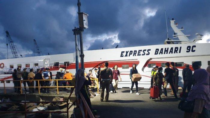 Express Bahari Tangjungpandan-Pangkalbalam Belum Beroperasi, Banyak yang ke Bangka Pakai Kapal Ikan