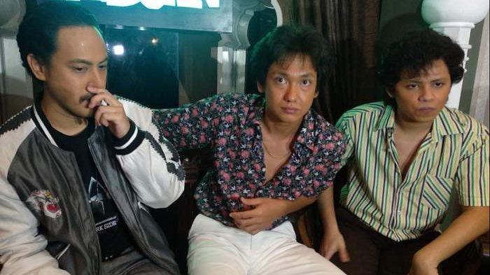 Aliando, Adipati Dolken, dan Randy Tak Lepas dari Pantauan Indro, Saat Syuting Warkop DKI Reborn
