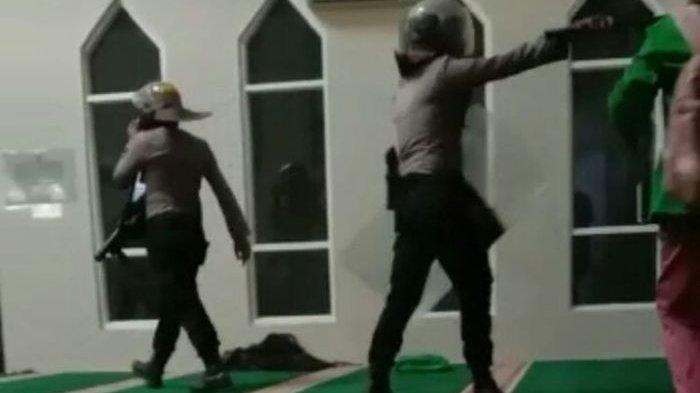 Kronologi Video Polisi Masuk Masjid Pakai Sepatu Kejar Mahasiswa Demo, Ini Pernyataan Polda Sulsel
