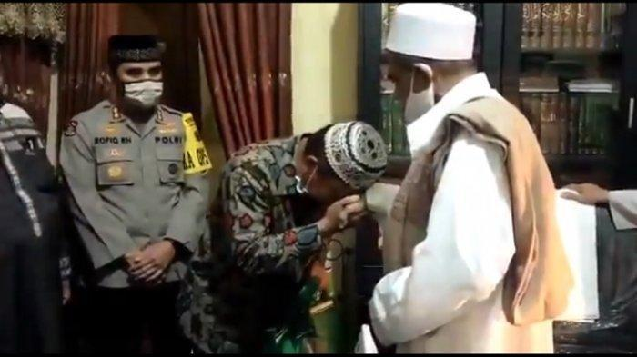 Asmadi Berani Akui Kekhilafan dan Meminta Maaf kepada Habib Umar Assegaf, Malah Dikasih Hadiah Umroh
