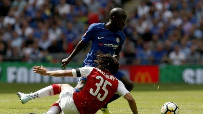 Babak I Laga Community Shield  Arsenal Kontra Chelsea, Cesar dan Bellerin Kartu Kuning