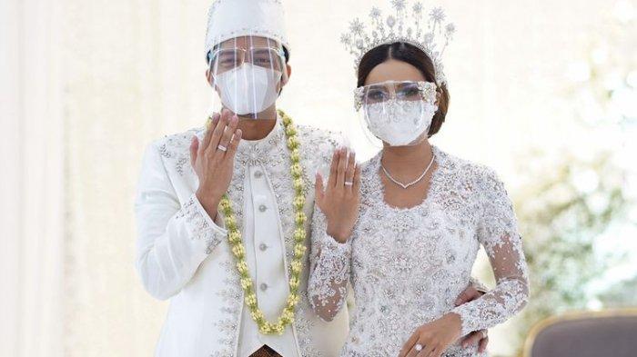Cincin Aurel Dikira Cuma Mainan, Warnanya Bling-Bling, Netizen Melongo Harganya: Manik-Manik Sultan