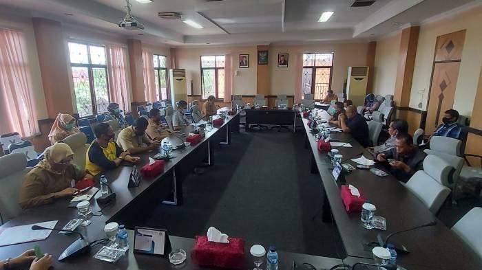 Audiensi dari Ketua Komisi III Jafri dan Anggota Komisi III lainnya dengan RSUD, Sekda, dan Kadinkes, Senin (12/10/2020).