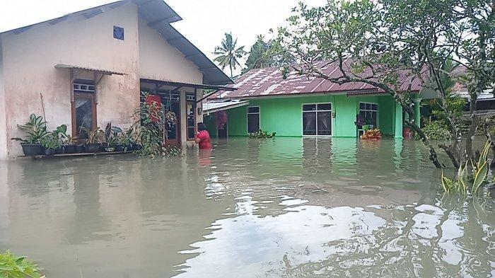 Belasan Rumah Terendam Banjir, Air Sempat Setinggi Leher Orang Dewasa