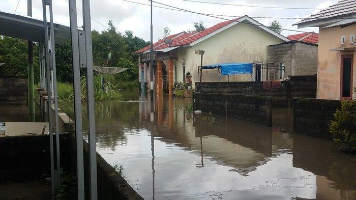 BREAKING NEWS : Belasan Rumah di Kompleks Billiton Regency Terendam Banjir
