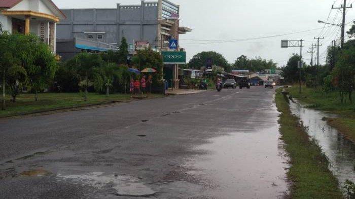 Banjir di Desa Mayang Mulai Surut, Lalu Lintas di Kelapa Kampit Kembali Normal