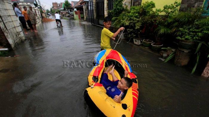 FOTO-FOTO: Pangkalpinang Kembali Terendam Air Setinggi Betis Orang Dewasa