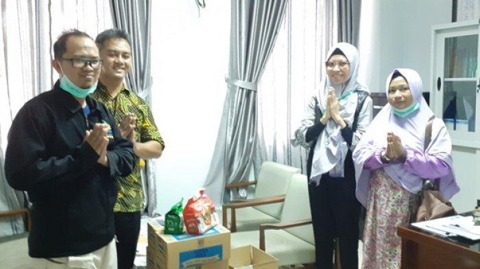 Yayasan Bina Insani Serahkan Bantuan Suplemen Kepada Petugas Medis RSUD Marsidi Judono