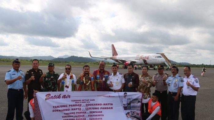 Batik Air Terbang Perdana di Langit Belitung, Makin Dongkrak Pariwisata - batik-air_20180331_103221.jpg