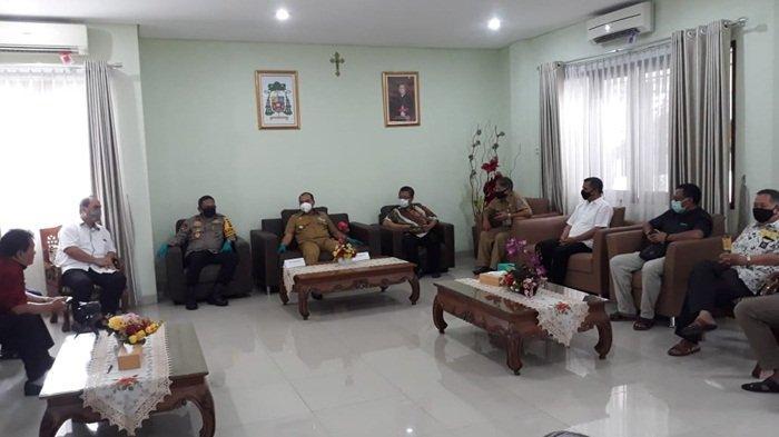 Gubernur Bangka Belitung Pantau Rapid Test Biarawan Keuskupan Pangkalpinang
