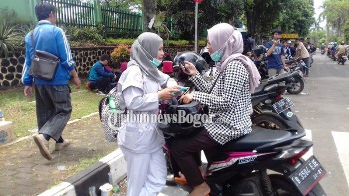 Dua Bidan Ini Sengaja Cuti Demi Tiket Timnas Indonesia