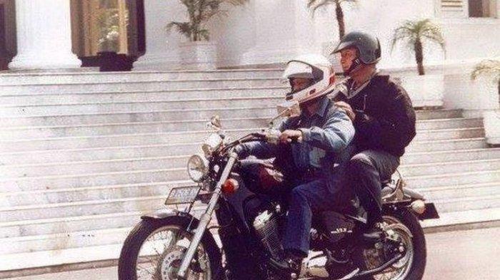 Sisi Lain BJ Habibie, Suka Touring Naik Moge