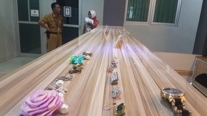 Khawatir Ada Kamera Kecil, Petugas Amankan Puluhan Bros Peserta Seleksi CPNS di Belitung