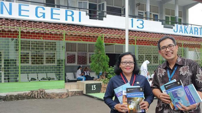 Buku Teks Kurikulum 2013 Telah Sampai di Sekolah