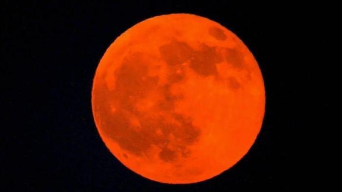 Gerhana Bulan Total Super Blood Moon 28 Juli 2018, Bedo dengan Gerhana Bulan Januari Lalu