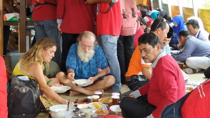 Turis Mancanegara Diajak Kunjungan ke Geosite Belitung