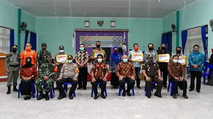 Bupati Belitung Timur Serahkan BLTD - bupati-bellitung-timur-yuslih-ihza-berfoto-bersama-forkopimda.jpg
