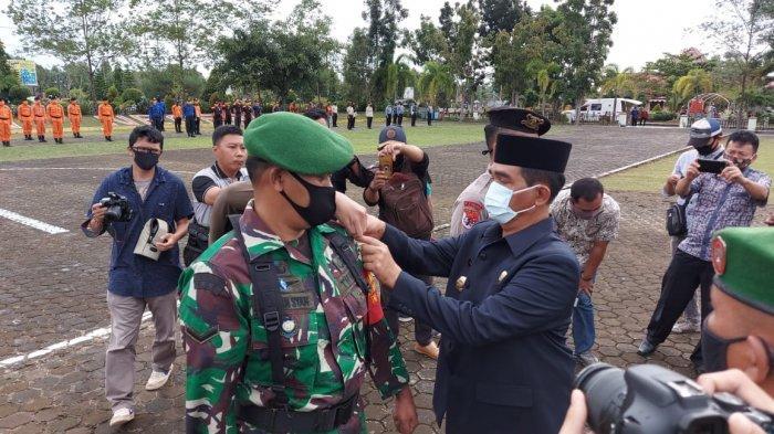 Bupati Belitung Timur Yuslih Ihza Pimpin Apel Penegakan Disiplin Protokol Kesehatan Covid-19