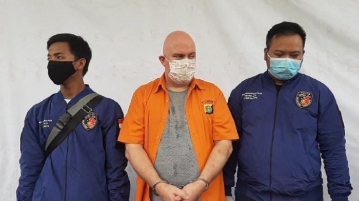 Buronan FBI Ini Berhasil Ditangkap di Jakarta, Sewa PSK Muda Masuk ke Rumahnya
