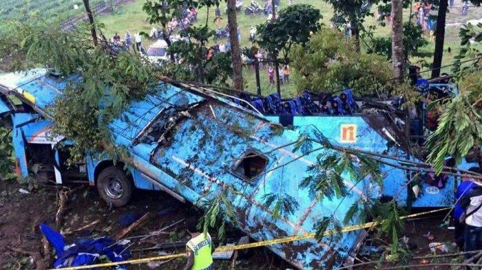Ini Foto Penampakan Bus Rosalia Indah yang Masuk Jurang, Rusak Parah!