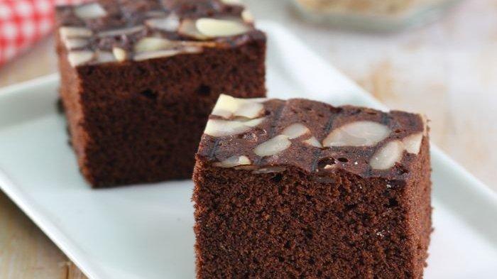 Bikin Cake Coklat Pisang Yuk, Gak Perlu Repot Pakai Oven, Cukup Dikukus Aja!
