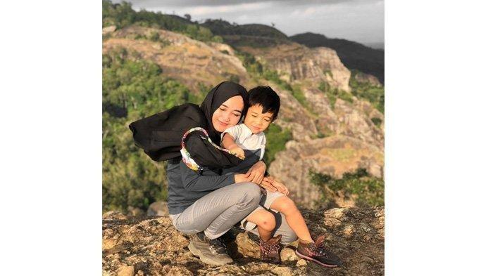 Suami Pergi Traveling Keliling Indonesia Tinggalkan Istri dan Bayinya