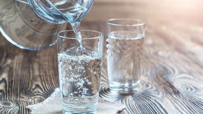 Berikut Cara Melengkapi Minum 8 Gelas per Hari Selama Puasa Ramadan