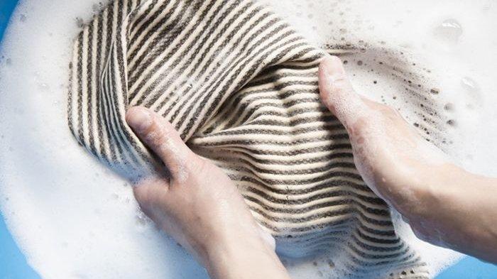 Noda Tinta Pada Pakaian Susah Hilang? Pakai Saja Bahan Dapur Ini
