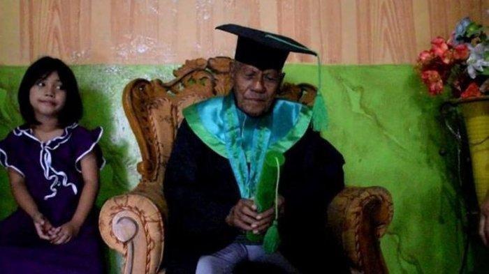 Kakek Berusia 85 Tahun Asal Baubau Raih Gelar S1, Tetap Semangat Kuliah Meski Tubuhnya Sakit-sakitan