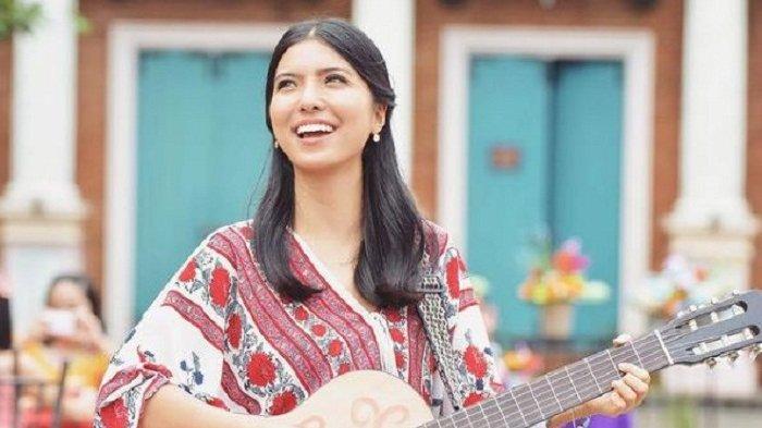 BIODATA Chilla Kiana, Penyanyi Muda Berbakat dan CEO Whizzup Indonesia