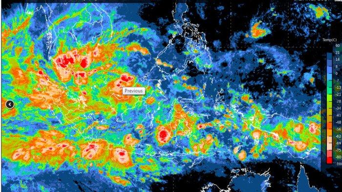 Peringatan BMKG, Cuaca Ekstrim Dampak Siklon Tropis Cempaka, Angin Kencang dan Hujan Lebat