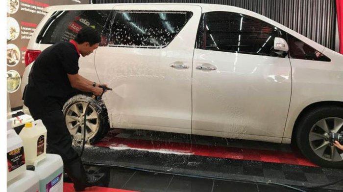 Segera Cuci Mobil Anda Bila Terkena Air Hujan, Bisa Jamuran hingga Berkarat