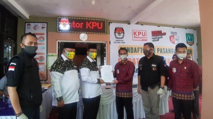 Ini Kata Bapaslon Berakar Usai Mendaftarkan di KPU Belitung Timur