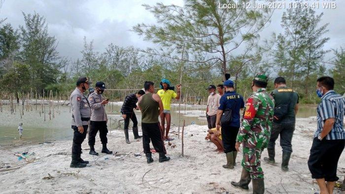 Polsek Manggar Patroli Tambang Timah Rajuk di Pantai Tambak Damar