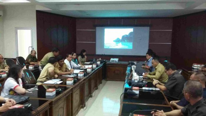 Mantan Bupati Belitung Dua Periode Datangi Kantor DPRD Belitung
